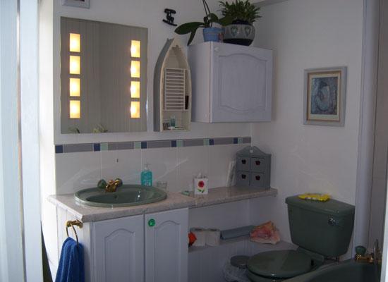 Bathroom, room 1