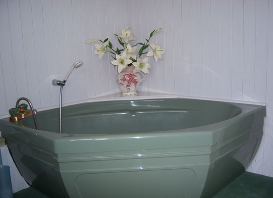 Bath for room 3