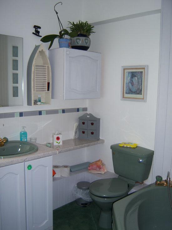 Bathroom, room 3