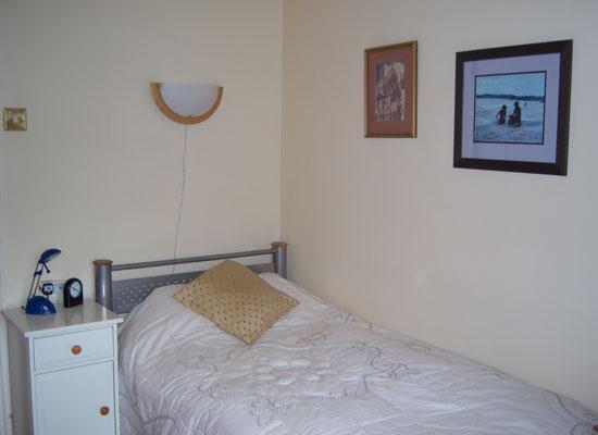 Room 4 (single)