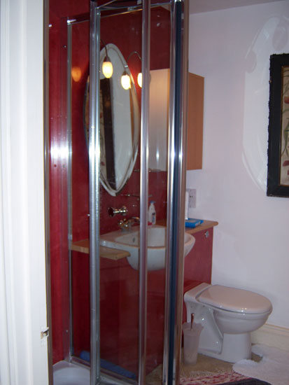 Shower for room 2